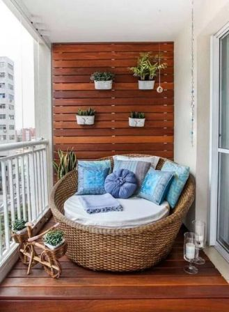 kucuk-bahce-balkon-tasarim-128