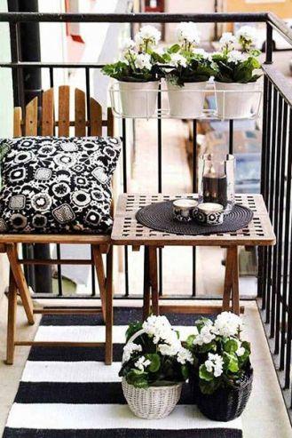 kucuk-bahce-balkon-tasarim-15