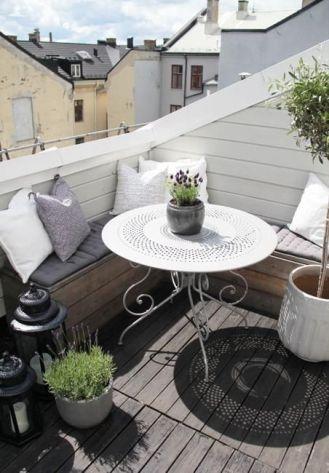 kucuk-bahce-balkon-tasarim-52