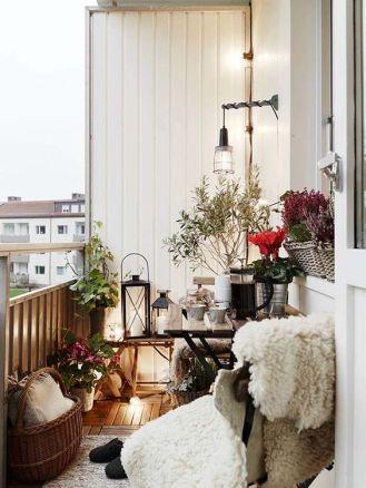 kucuk-bahce-balkon-tasarim-59