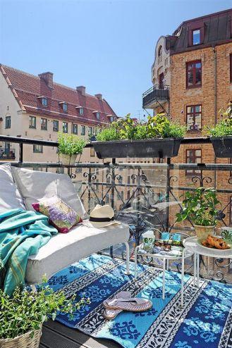 kucuk-bahce-balkon-tasarim-82