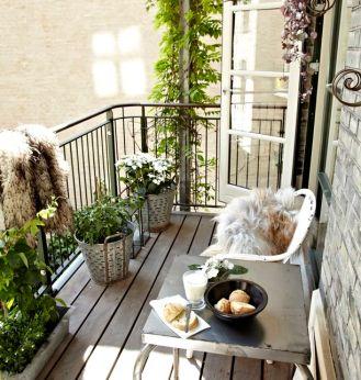 kucuk-bahce-balkon-tasarim-86