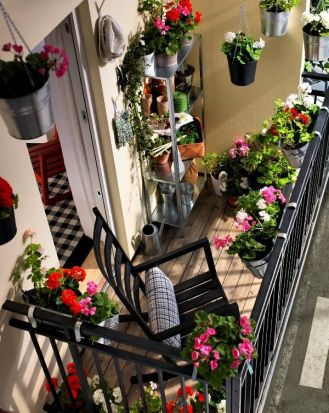 kucuk-bahce-balkon-tasarim-87