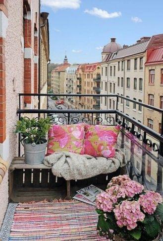 kucuk-bahce-balkon-tasarim-88