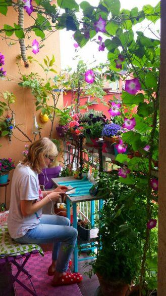 kucuk-bahce-balkon-tasarim-9